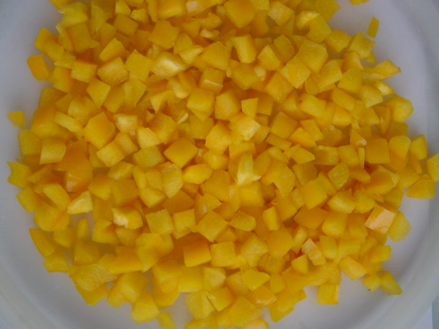 Замороженные кубики персика оптом